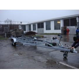 Remorca transport barci cu doua osii